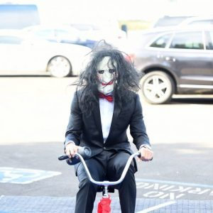 OAKLAND, CA - OCTOBER 29: Stephen Curry #30 of the Golden State Warriors arrives before the game against the Detroit Pistons dressed as Jigsaw on October 29, 2017 at ORACLE Arena in Oakland, California. NOTE TO USER: User expressly acknowledges and agrees that, by downloading and or using this photograph, user is consenting to the terms and conditions of Getty Images License Agreement. Mandatory Copyright Notice: Copyright 2017 NBAE (Photo by Noah Graham/NBAE via Getty Images)