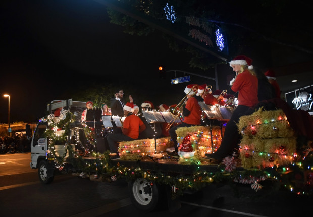 Redlands+Christian+Schools%27+Jazz+Band+members+participate+during+the+Redlands+Christmas+Parade+%22A+Citrus+Heritage+Christmas%22+presented+by+the+Noon+Kiwanis+Club+of+Redlands+and+the+City+of+Redlands+in+downtown+Redlands+on+Saturday%2C+1%2C+2018.+%28Photo+by+Milka+Soko%2C+Contributing+Photographer%29